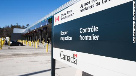 Canada to ease border measures for fully vaccinated tourists